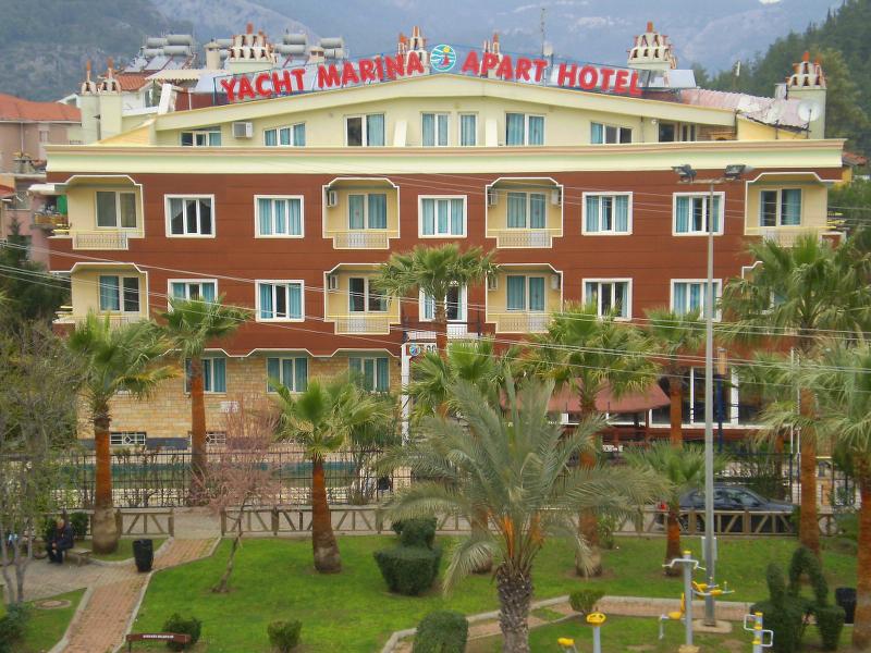 Yacht Marina Apart Hotel